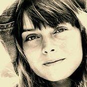 04. Valerie Carter